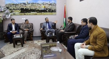 النائب العام يناقش سياسة الإعلام الجنائي مع صحيفة فلسطين وتأثيره على الرأي العام.