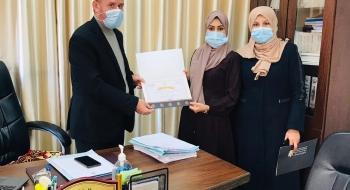 رئيس المكتب الفني يكرم أ.رشا العمصي و أ.أسامة لبد على جهودهما في خدمة العدالة