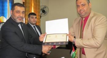 النائب العام يمنح شهادات لرؤساء النيابات