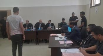 السلطة القضائية تعقد محاكمات بسجن أصداء المركزي تسهم بتخفيف تكدّس النزلاء
