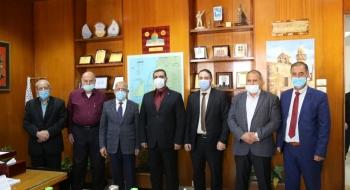 النائب العام يناقش مع رئيس بلدية غزة تعزيز التعاون وتيسير خدمات المواطنين