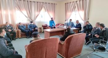 خلال اجتماعهم بأقسام شرطة دير البلح...نيابة الوسطى تؤكد على العمل بمهنية وسلامة الإجراءات في بناء الملف الجزائي