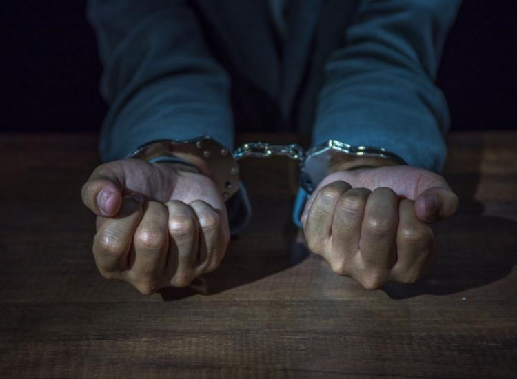 الحكمين بالمؤبد على المُدانين في قضايا قتل منفصلة